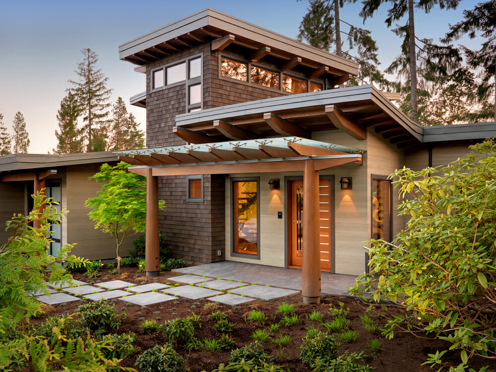 Installing cedar siding - eco-friendly and natural option for decorating your home