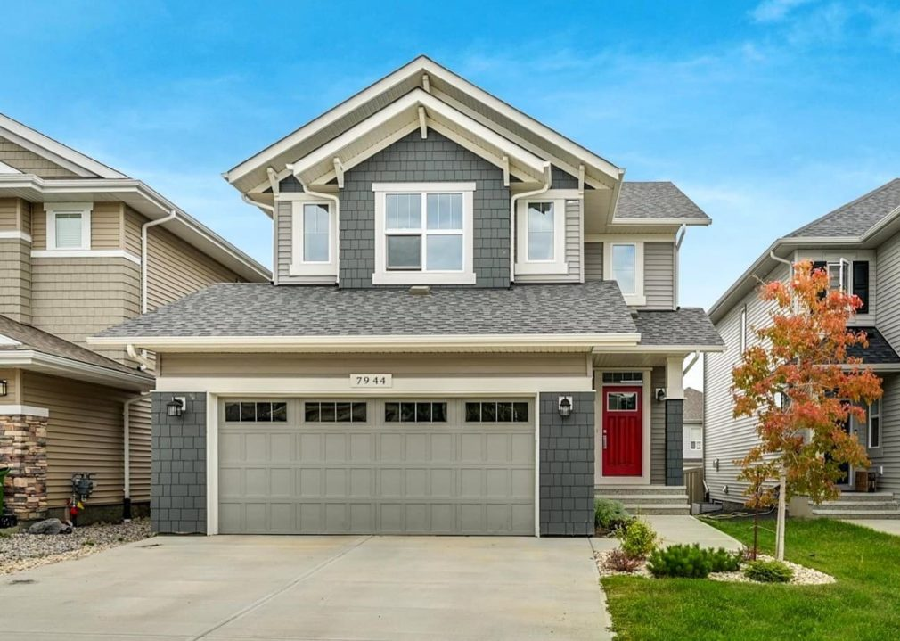 Exterior home siding (vinyl, hardie, cedar) - installation cost in Edmonton