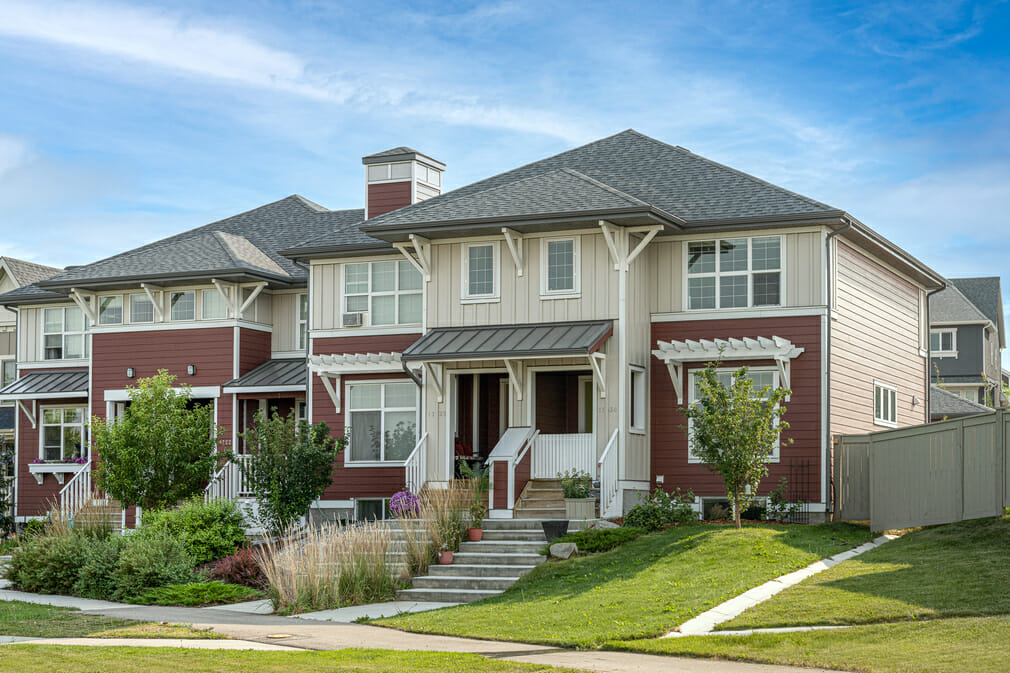 Siding contractors in Calgary - working with siding planks, panels, shingles